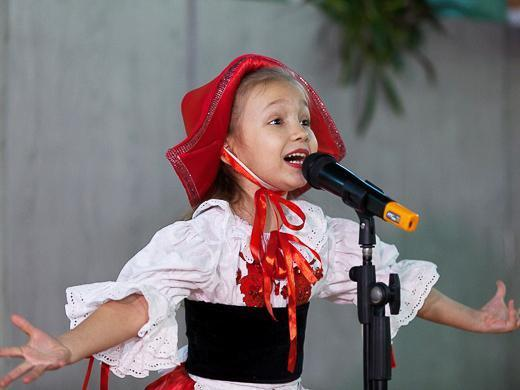 Гости из Германии привезли 16 тыс. подарков детям Одесчины (ФОТО)