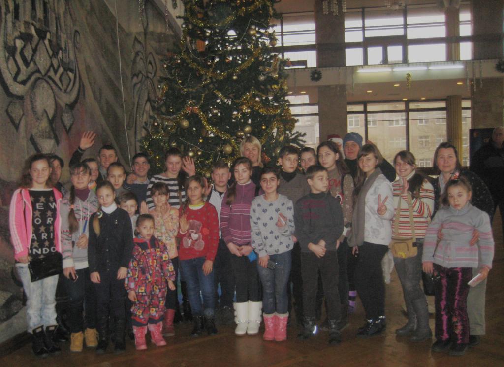 Дети Саратского района побывали на открытии детского кинофестиваля