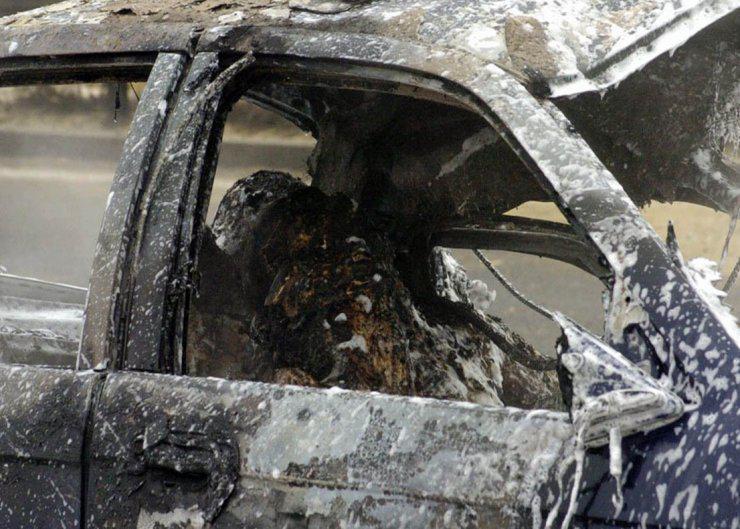 сгорел в машине