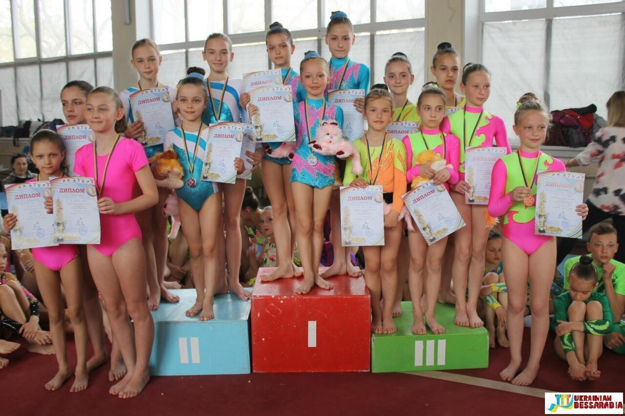 Арцизские гимнастки достойно показали себя на открытом чемпионате по спортивной акробатике (фото) - Украинская Бессарабия, Бессарабия on-line