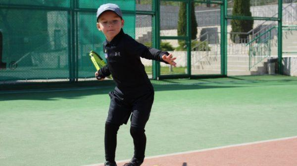 Юный теннисист из Одессы