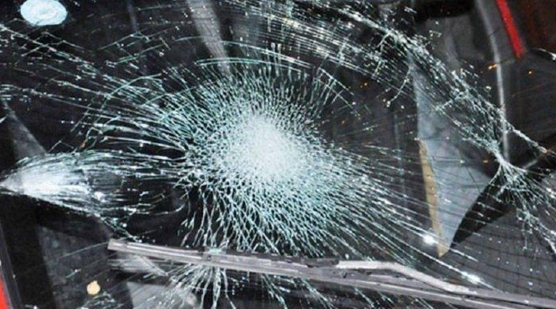 побитое стекло авто