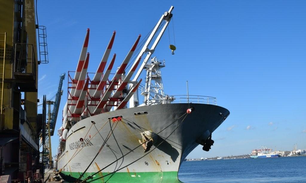 судно с лопастями