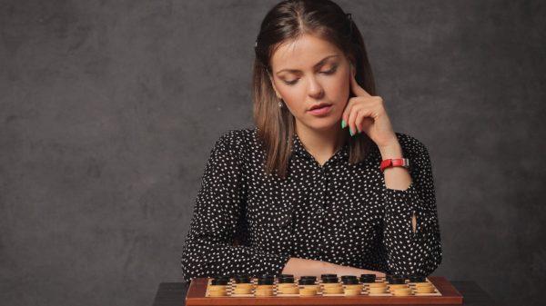 королева шашек