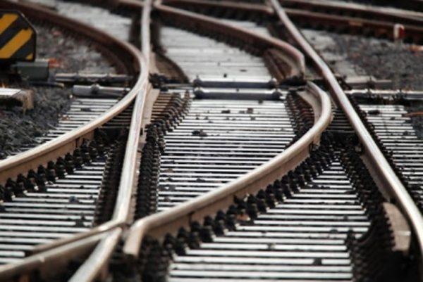 Разбирал железнодорожные пути: в Одесской области поймали охотника за металлом