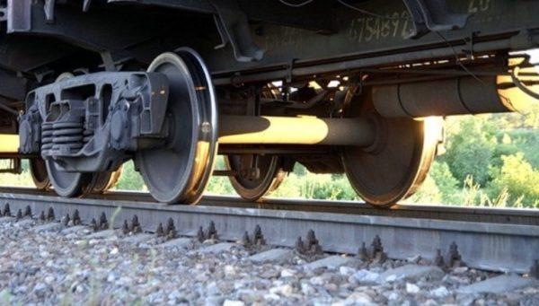 Ночью на Одесской железной дороге под колеса поезда попал мужчина