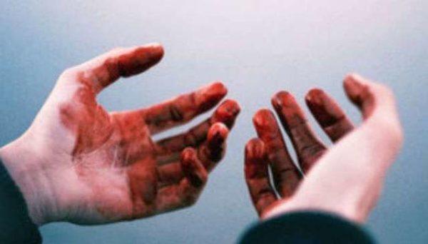 """""""От этого мурашки по коже"""": в Одессе мужчина нес в руках человеческую голову"""