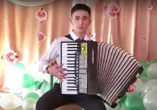 Юный  аккордеонист  из  Болградского района покорил своим талантом
