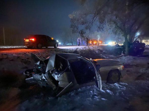 Авария в Татарбунарах: машины всмятку, но люди живы