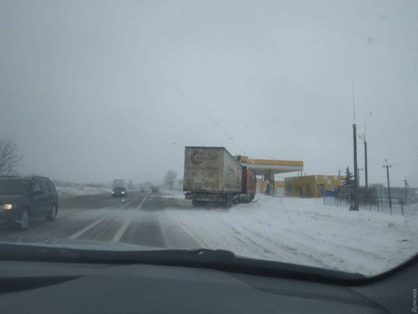 В Одесской области расчистили дороги от снега и открыли проезд для всех видов транспорта