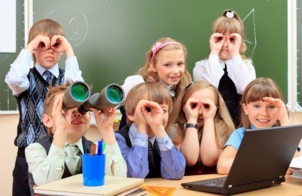 В Минздраве рассказали, когда школьники смогут вернуться за парты