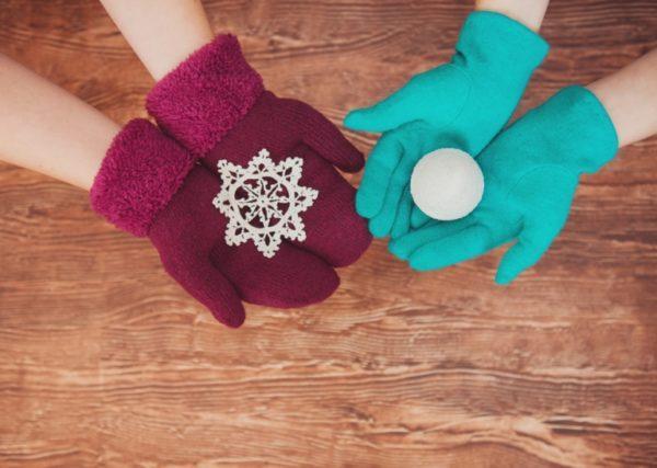В сильные морозы лучше носить варежки, а не перчатки – врач