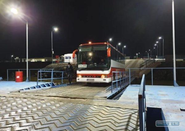Первый рейсовый автобус воспользовался переправой через Дунай Орловка-Исакча