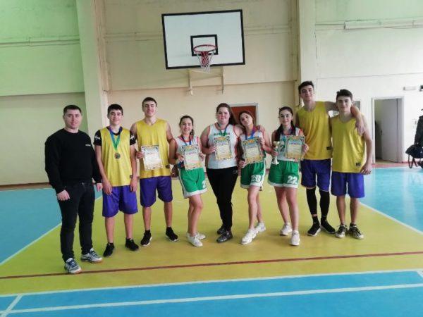 Команда Арцизской громады приняла участие в финале областной спартакиады среди школьников по баскетболу.