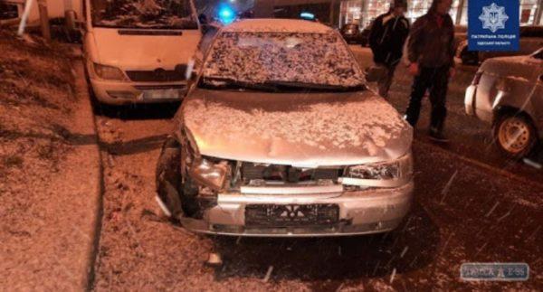 Сразу 4 автомобиля были разбиты в Одессе по вине пьяного водителя