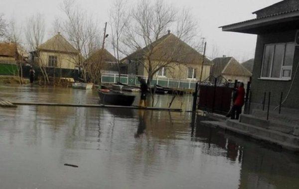 Вилково в Одесской области затапливает нечистотами из-за долгов водоканала