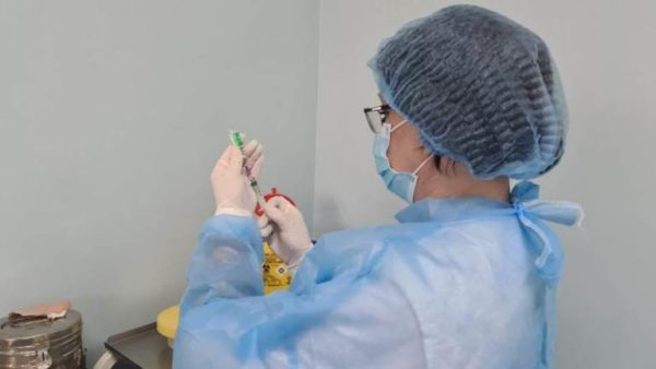 Верховная Рада сняла с производителей вакцин от COVID-19 ответственность за побочные эффекты от прививок