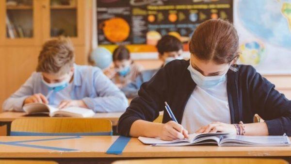 В Украине учеников 4 и 9 классов освободили от ДПА-2021