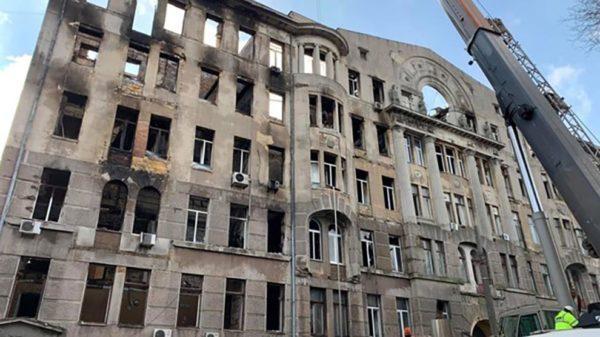 Одесские власти намерены построить новое здание на месте сгоревшего экономического колледжа