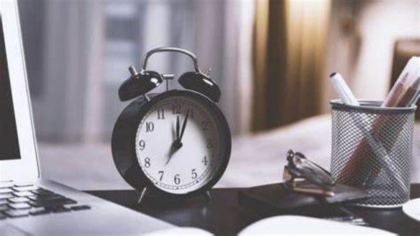 В воскресенье окончательно переводим часы. Кабмин не стал поднимать вопрос отмены летнего времени