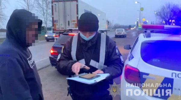 В Одесской области пьяный водитель без прав пытался подкупить полицейских