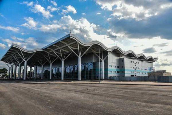В Одесском аэропорту разрешили бесплатно парковаться: но не дольше 10 минут