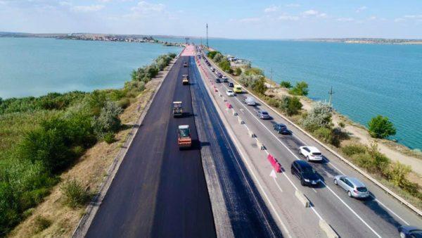 На мосту через Хаджибейский лиман открывают 6-полосное движение