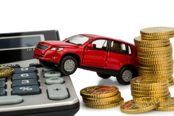 В Украине владельцам старых авто готовят неприятности