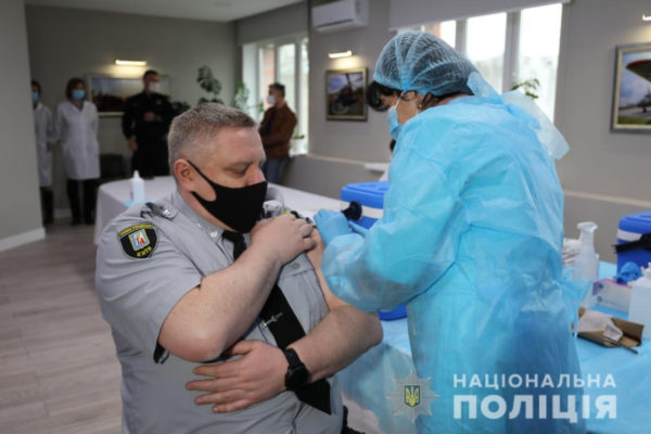 В Одесской области разворачивается вакцинация полицейских и спасателей
