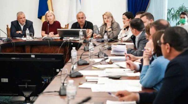 Облсовет выделит средства местным бюджетам на проведение безопасного ВНО и покупку ноутбуков
