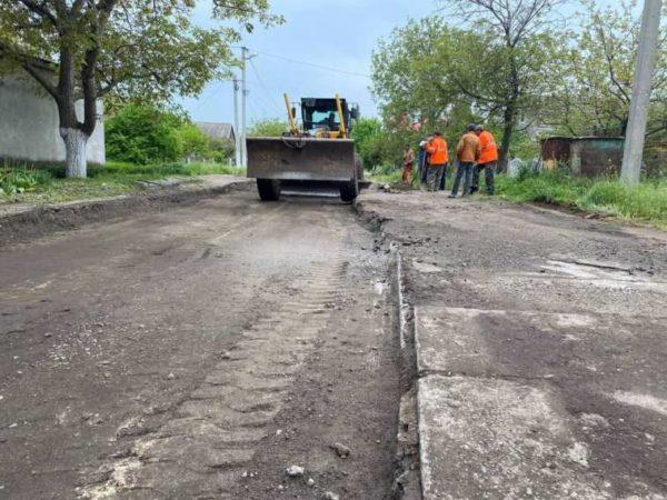 В Арцизе ремонтируют дороги на двух улицах