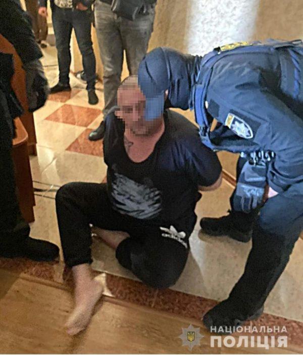 В Одесской области полиция задержала криминального авторитета, который сбежал из зала суда