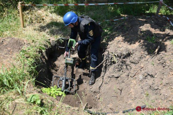 В Одессе на территории больницы нашли артиллерийский снаряд