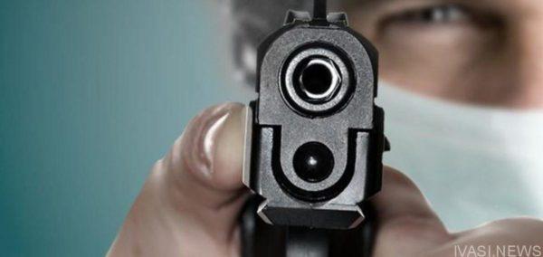 Вооруженный мужчина ограбил салон в Одессе