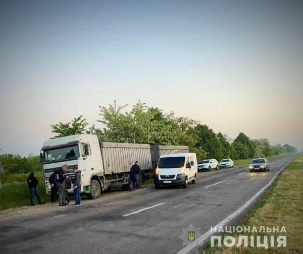Одесские правоохранители задержали банду разбойников, которые грабили фуры