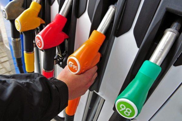 Автозаправки прекратили продавать некоторые виды топлива