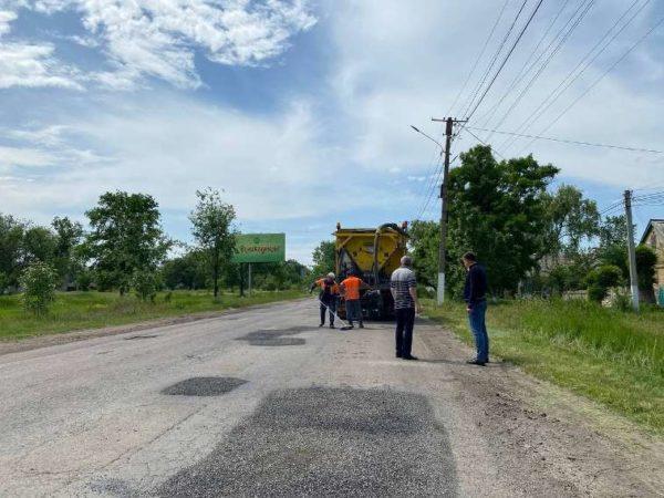 В Арцизе проводят ямочный ремонт городских автомобильных дорог