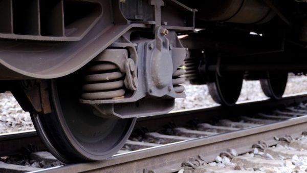 Поезд сбил женщину в Одесской области