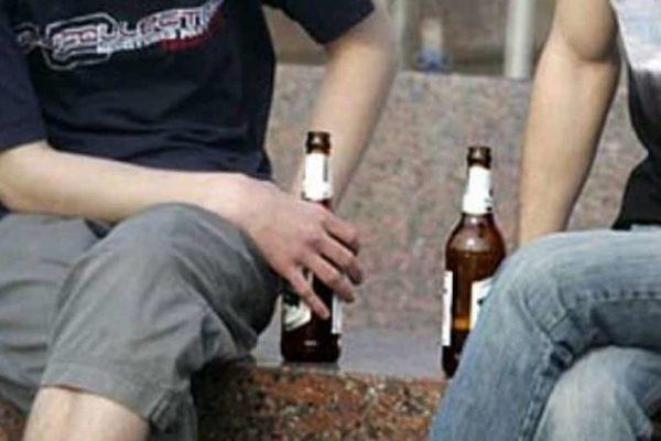 В Одессе подростки распивали алкогольные напитки на кладбище
