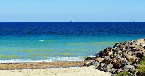Вода на пляжах Одессы временно не пригодна для купания