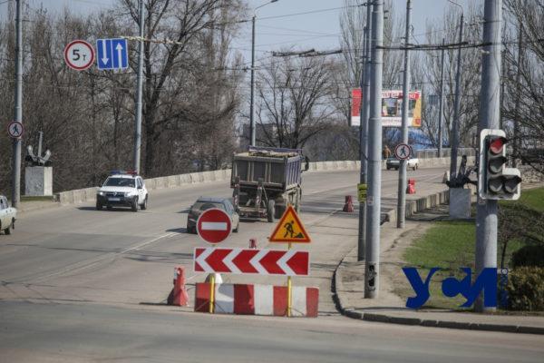 Одесский суд обязал изменить дорожные знаки у Ивановского моста