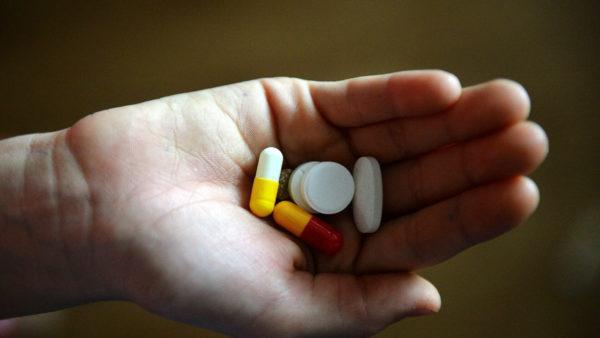 В Украине будут штрафовать за продажу лекарств детям