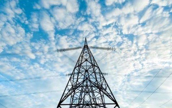 Тарифы на электроэнергию сохранили еще на месяц