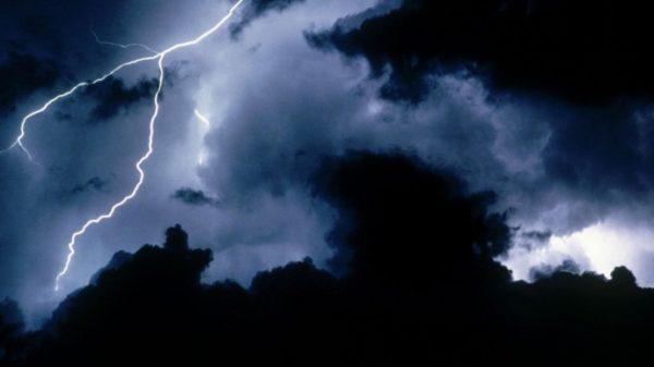 Штормовое предупреждение объявлено в Одессе и области