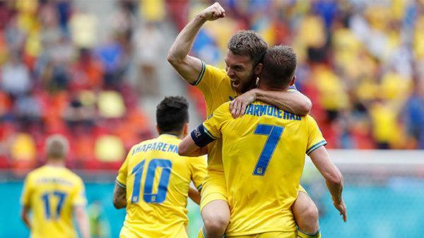 Впервые сборная Украины вышла в плей-офф чемпионата Европы