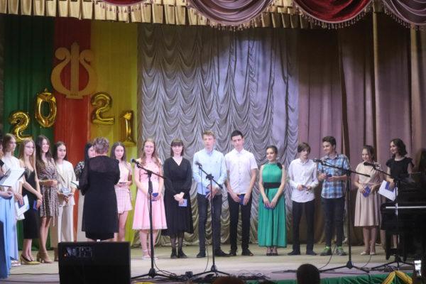 В Арцизской музыкальной школе прошел выпускной вечер юных талантов (ФОТО)