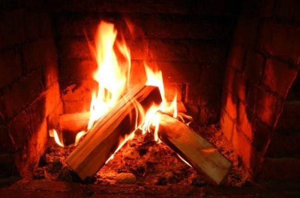В Одесской области трое детей получили тяжелые ожоги, когда их отец разводил огонь в печи