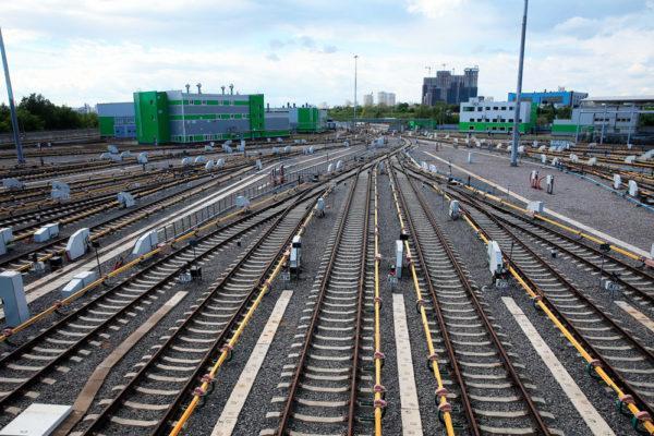 Неизвестные пытались блокировать рельсы перед скоростным поездом «Киев-Одесса»