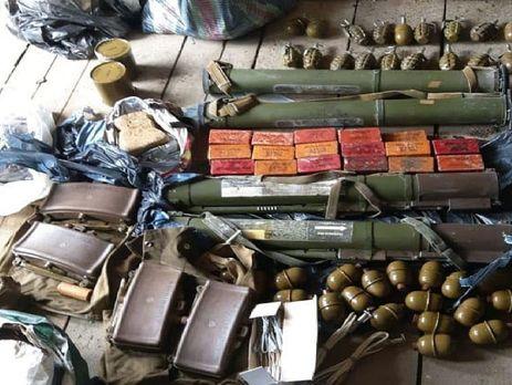 Противотанковые гранатометы и гранаты обнаружены в тайнике у трассы Одесса – Киев