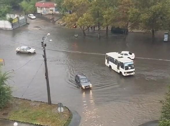 """""""Одесса плывет""""-сильный ливень затопил практически все улицы города"""